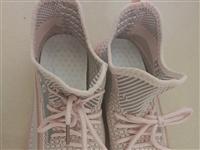 **椰子鞋,36码,内长22cm,买给孩子的,只试穿了一下,因号码买大了,现低价转让