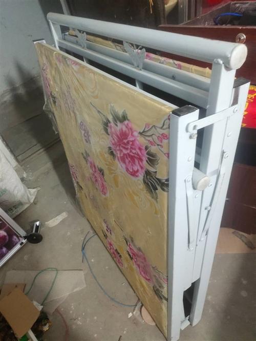1米寬,2米長折疊床,原價120元,現50元