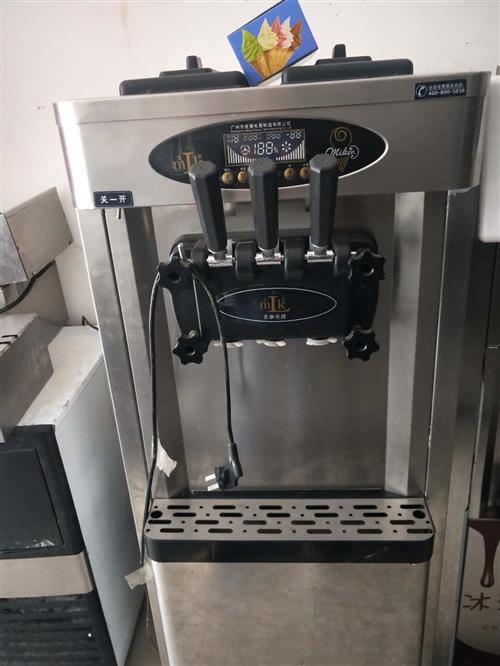 冰淇淋机处理卖,有需要的联系!18956742891