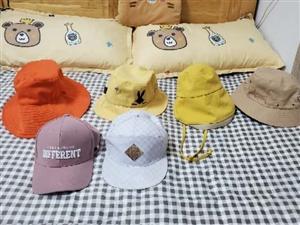六成新帽子包包,�^戴式耳�C,小音�。不同款不同�r格,喜�g可�h�r。城�人拓�上�T。