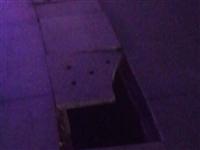 姜子牙文化广场中间下水道地板破裂很危险