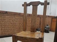 因店里装修换风格了,特出售老榆木椅子约40把,每把80元,有意者请联系我13821839375