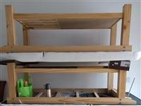 转让闲置美容床3张 纯实木,原木色,白色皮革,75*185 买了几乎没用过,闲置在家一段时间了,...