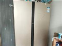Midea/美的  無霜變頻雙開門冰箱,自用一年零兩個月,九五成新,無刮擦,制冷效果好。價格面議。聯...
