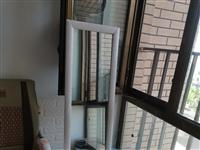 鏡子,椅子,簡易餐桌,儲物柜,置物架。鞋架,煤氣罐,煤氣灶等小物件低價處理。