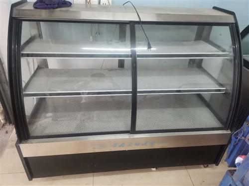 店不开了,桌子,椅子,操作台2张,双槽洗菜池1个,冷藏冷冻展示柜3个,烧烤炉,烧烤木炭2箱,架子等。...