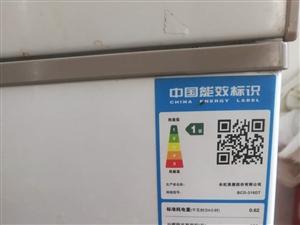 出售:九成新冰柜冷�霰ur�p功能有意者�系15890967789