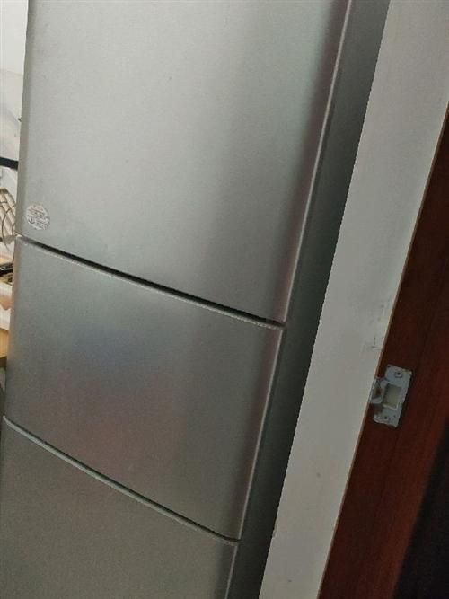 个人急售海尔三门冰箱,诚心出售。