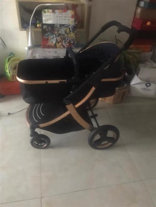 婴儿推车99新,买来都是放家里闲置,有需要把宝宝可以带走!