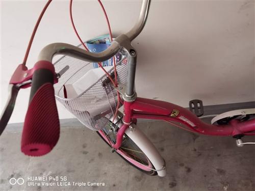 自行车去年430元买的一共骑了五次不到九成新,大人孩子都可以骑。