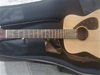 雅马哈旅行吉他孩子去年学了一暑假就没碰过,玉田实体店买的不到1200,800转给有需要的。赠乐谱架子...