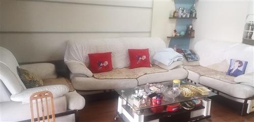 五成新布衣沙发1--2--3。售价188元
