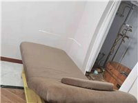 有美容床数张,会议桌1张 美甲桌 一张 低价出售,有意者联系 张女士19157107888
