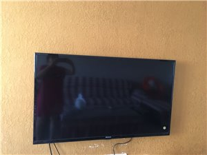 海信电视,超薄多功能50寸八成新原价五千多证书齐全,价格可商量