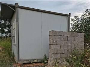 二手柜房一��,3米×3米,七成新。