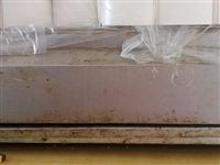 插电的烤面筋机子,当时500买的,现在300出售,只用了一年!还有烤面筋的配方,材料等,有意者打电话...