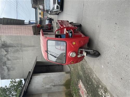 自用电三轮闲置,新换的正新轮胎3个,货厢长1.5米,宽1米,无毛病,成色7成新,有负变速,以前拉轻货...