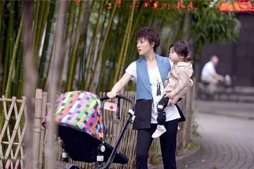 ADIL辣妈款,婴儿推车高景观冬夏款,可平躺儿童宝宝推车,可折叠。