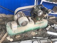 两台气泵,一个三相电,一个2相电,正常使用中