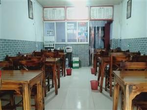 ��木桌椅六套,另有煮面桶煮��桶一��,工作�_一��,�L冷保�r柜一�_,本人以前是�_面�^的,有需要的�系我