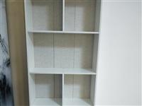 因搬遷裝修處理小型小銀臺 貨柜 九成新美容床