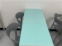 七月购入一批新桌椅,使用期为一个月,大量桌椅**,可在家给孩子学习用,有需要的亲可联系,数量有限先到...