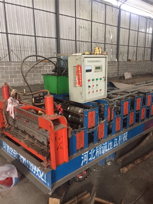 840型900型双层彩钢瓦机器