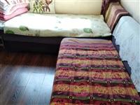 一套沙发,大的长2米,小的长1米6