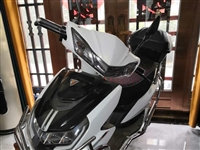 小刀电动车96v 8块电瓶新车,原价5200元,现在4600元出售 随时看车