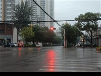 岗山北路与公园路交叉十字路口两处人行红绿灯故障