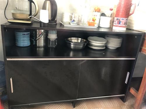 厨房柜子,可以放很多东西八成新